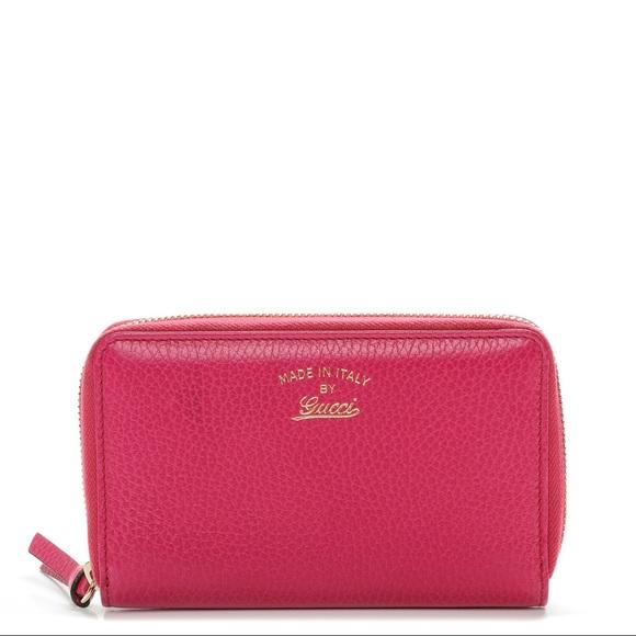 04a7f8dead28 Gucci Handbags - FINAL DROP🎉GUCCI Swing Zip Around Wallet Blossom